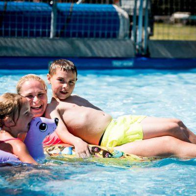 Zwemmen met de familie